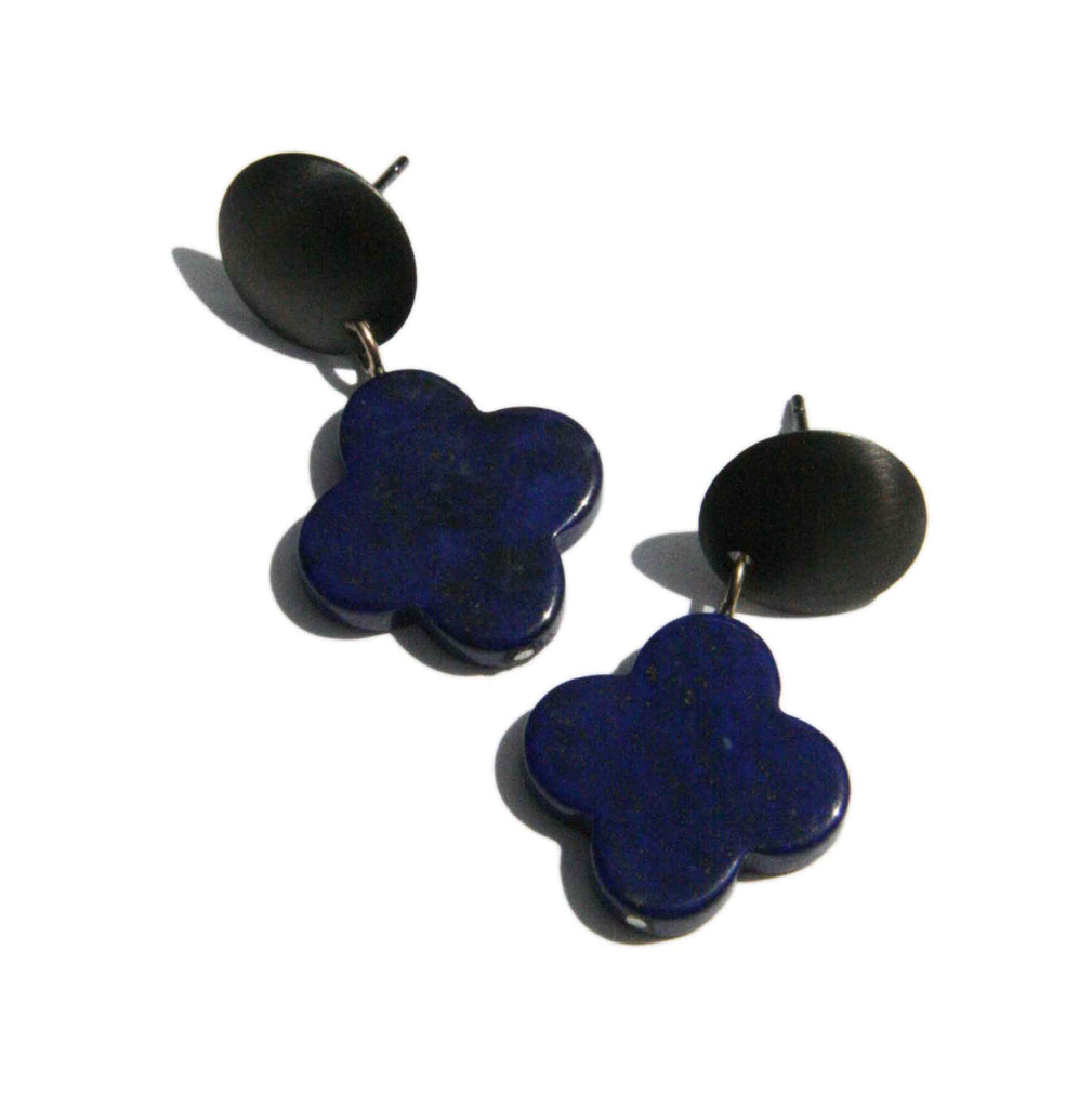 Disc earrings with Lapis Flowers
