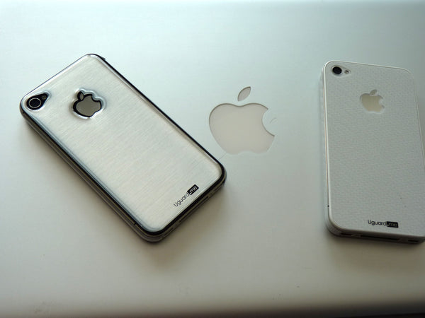 iPhone 4 and 4S brushed silver resin sticker guard in style