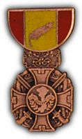 RVN GALLANTRY CROSS HAT PIN - HATNPATCH