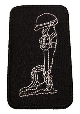 COMBAT CROSS MEMORIAL PATCH HELMET RIFLE BOOTS REMEMBER THE FALLEN BLACK WHITE