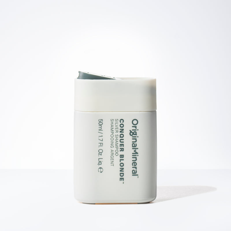 O&M Conquer Blonde Shampoo Mini (1.7oz)