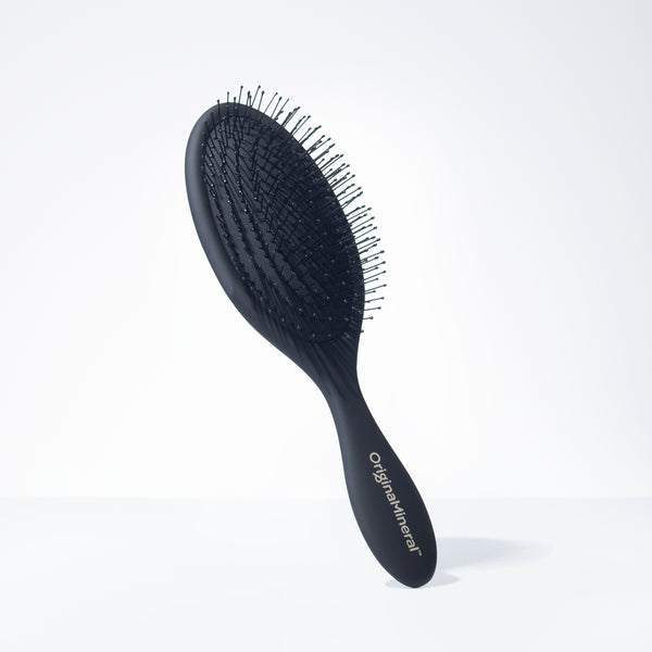 O&M Detangler Hair Brush