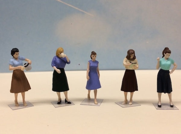 Female Standing Figures 1940's Set 3d printed