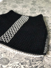Load image into Gallery viewer, My Cowl Canvas (KNIT)