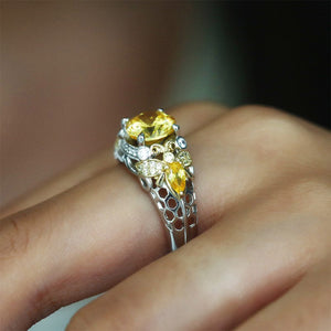 Two Tone Bee Honeycomb Round Ring
