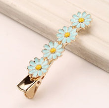 Load image into Gallery viewer, Hand Crafted Daisy Flower Hair Clips