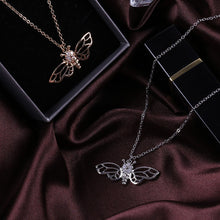 "Load image into Gallery viewer, Our Love Bee ""Long-Winged"" Necklace"