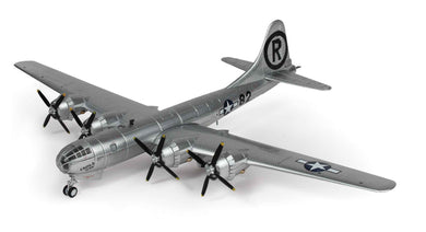 B-29 Superfortress 1/144 Enola Gay &