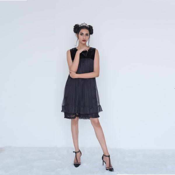 "<b>Bouclé by Tania George</b><p style=""font-size:12px;"">Black Babydoll Dress</p>"