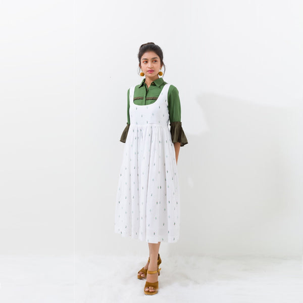 "<b>Bouclé by Tania George</b><p style=""font-size:12px;"">Pickle green crop shirt</p>"