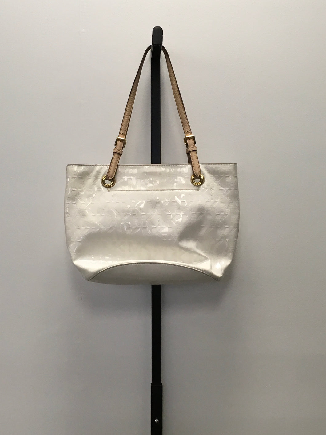 C37-2 Michael Kors White Vinyl Tote Bag