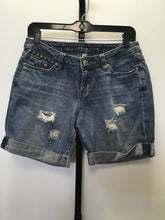 Load image into Gallery viewer, C26-10 Lauren Conrad Jean Shorts