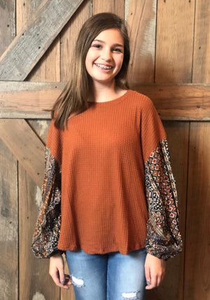Black Print Sleeve Rust Top