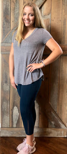 grey v-neck tee - curvy