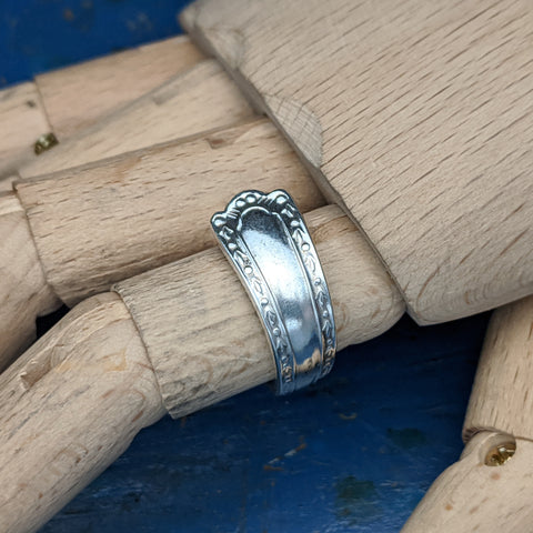 Corinthian Teaspoon handle Ring