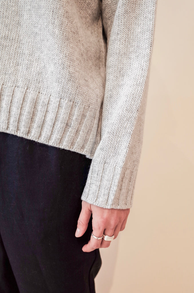 YMC INGRID LIGHT GREY KNIT