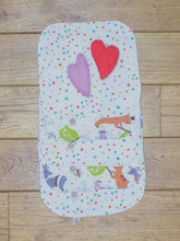 Load image into Gallery viewer, A set of 5 Organic Poco Bambino reusable wash cloths / wipes in multicoloured spots and animal parade prints.