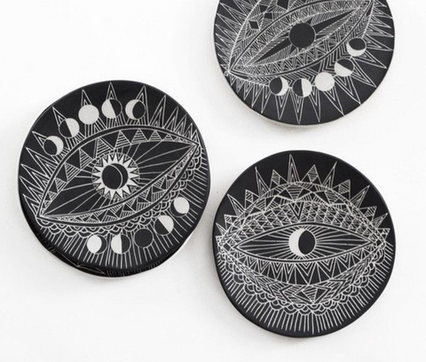 Spirit Eye Round Plate by Deme