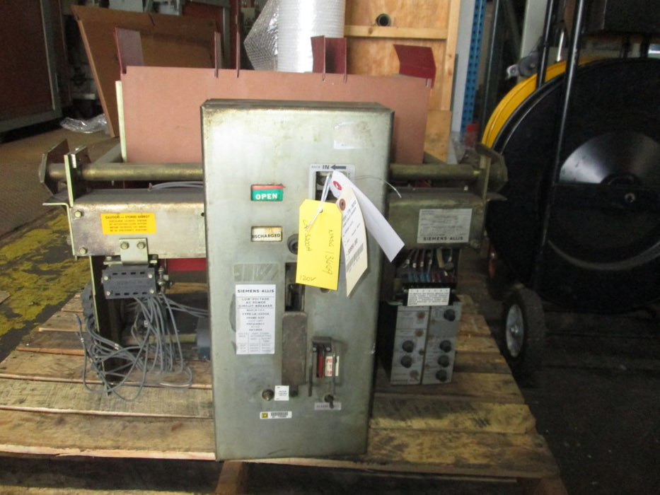 LA-3200A- Siemens Allis Low Voltage AC Power Circuit Breaker