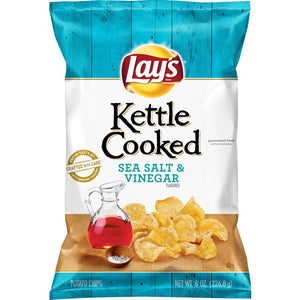 Lay's Kettle Cooked Sea Salt & Vinegar Potato Chips (227g)