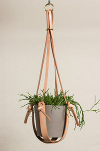 "Short Leather Plant Hanger (21"")"