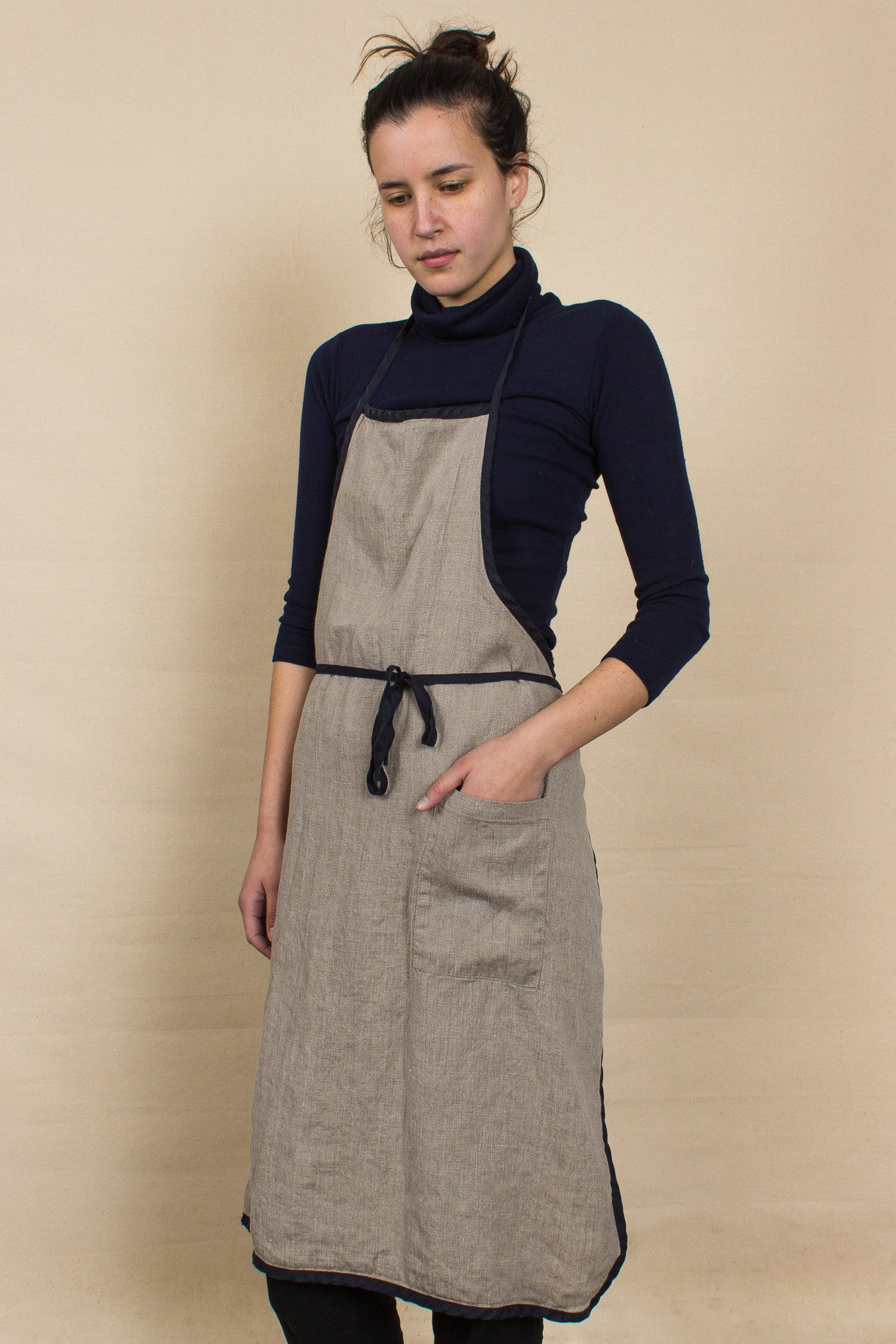Linen Apron with Piping in Natural