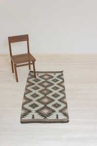 Neutral Zig Zag Diamonds Navajo Rug