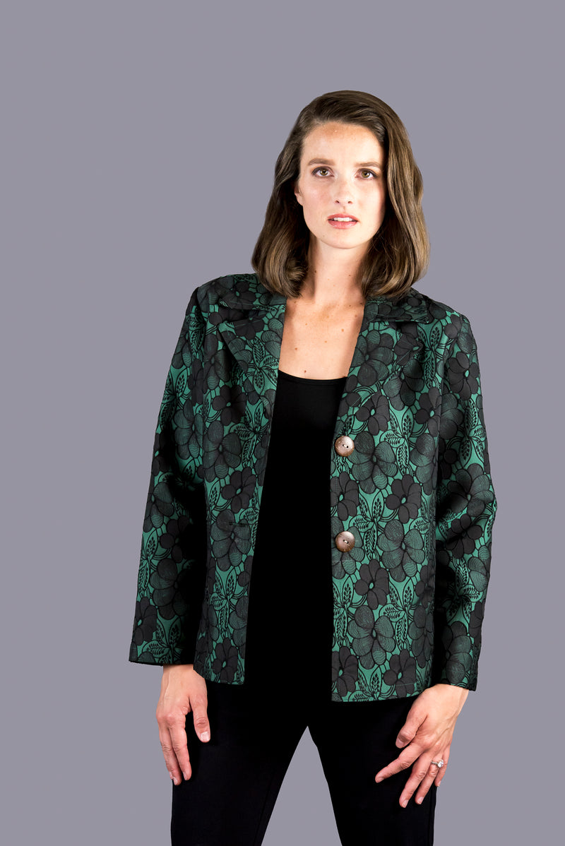 20156 - Short Jacket with Notched Collar