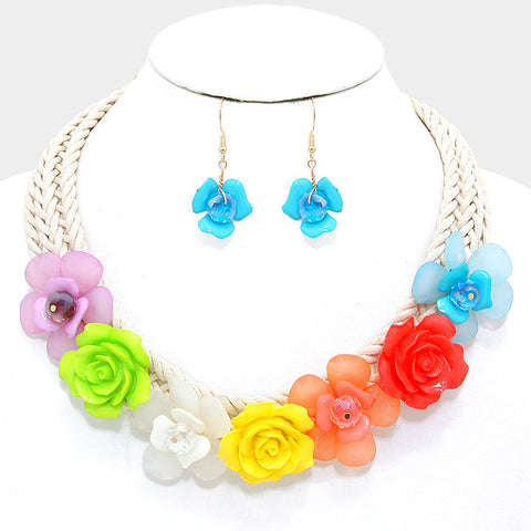 Nauti Flower necklace and earring set