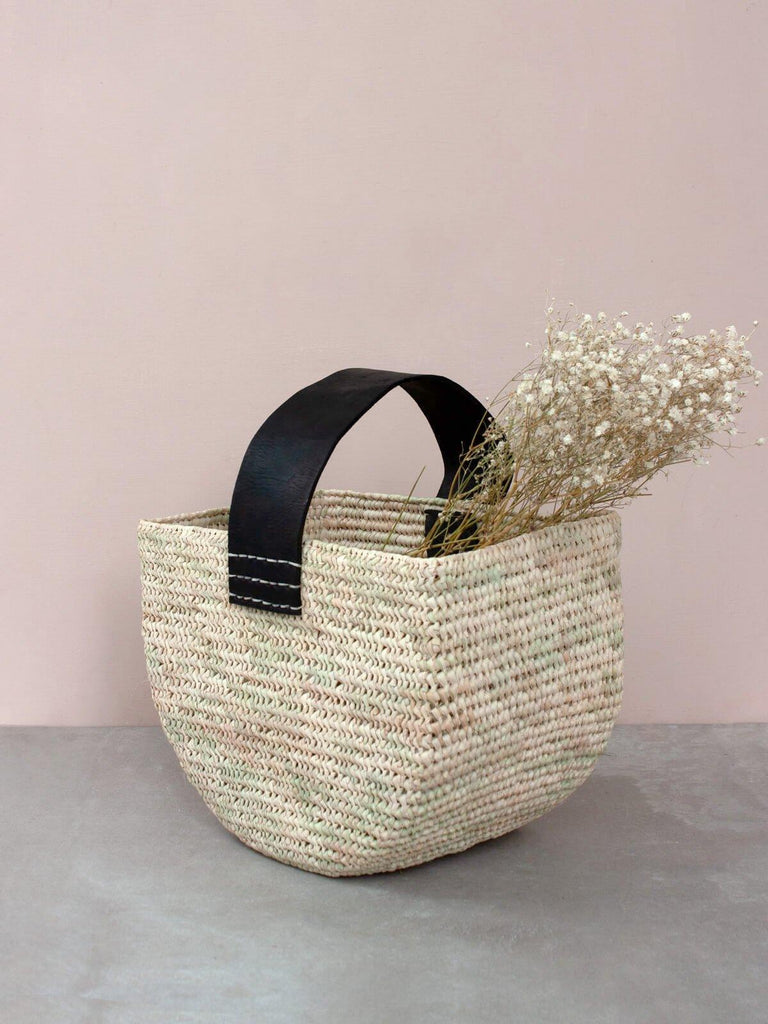 HALF MOON FORAGE BASKET - BLACK STRAP