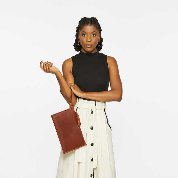THE PETITE FINLEY CLUTCH IN HAZELNUT