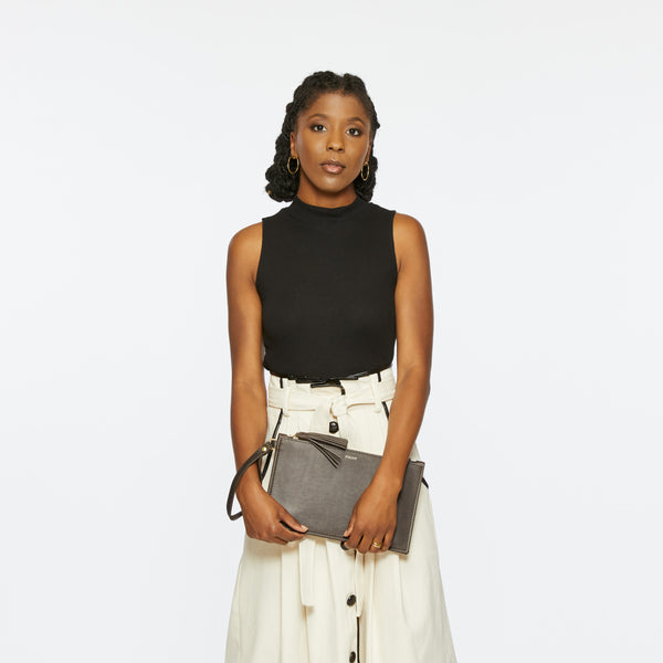 THE PETITE FINLEY CLUTCH IN WOLF
