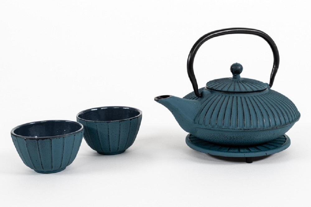 Cast Iron Teapot and Cups