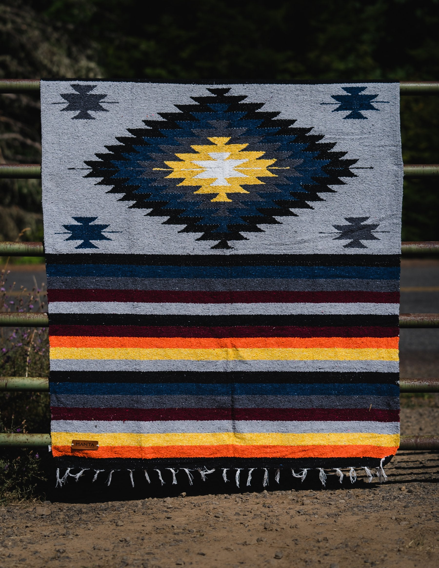 Wilkes Diamond Blanket - Mantacompany.com