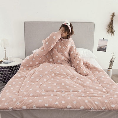 Winter Lazy Quilt with Sleeves - easeable.com