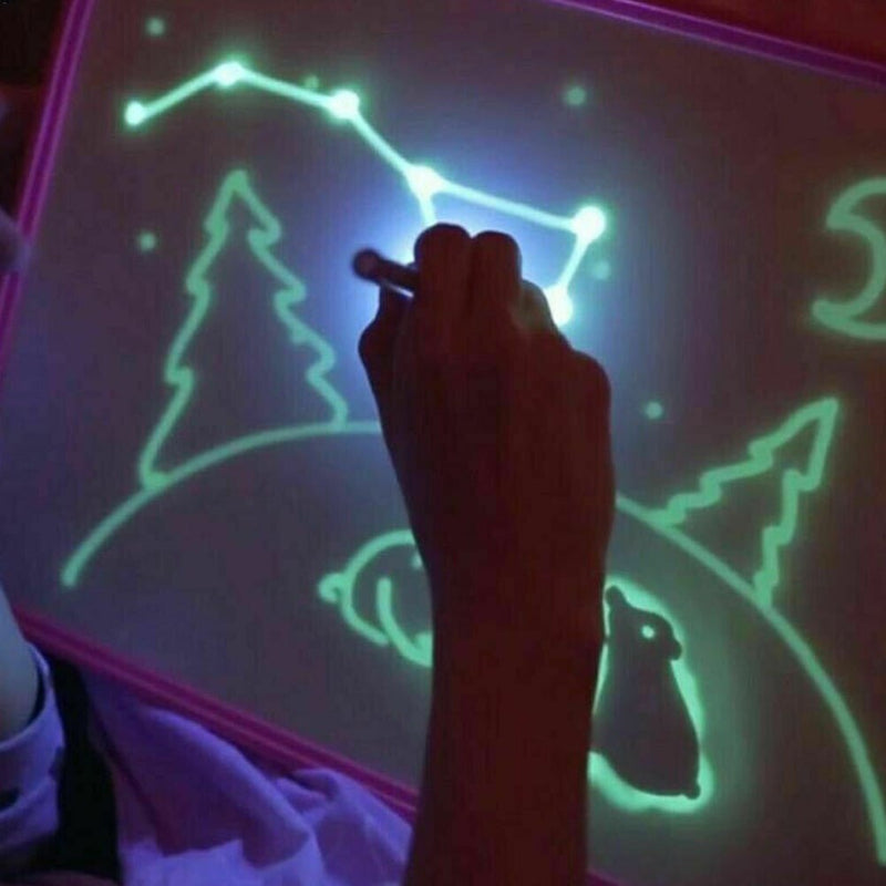 Magic Light Up Drawing Board for Children - easeable.com
