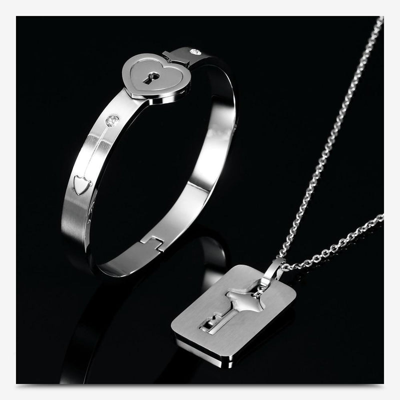 Lock & Key Bracelet Pendant Necklace Set For Couples - easeable.com