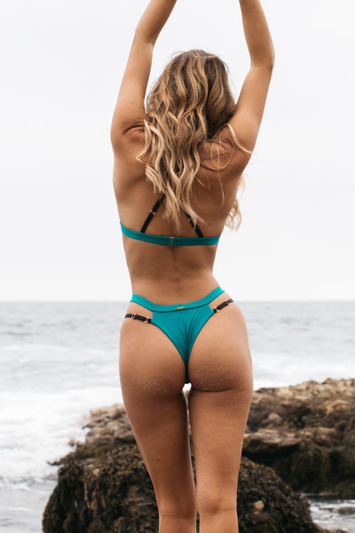Anguilla Bottom