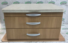 2010 Swift group chest of drawers