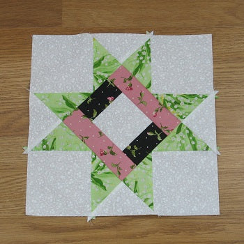 Free Pattern – Braced Star Quilt Block