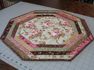 Sewing the Centerpiece Tablemat