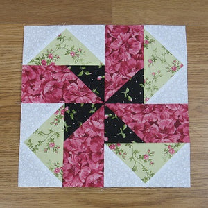 Seesaw Traditional Quilt Block Pattern
