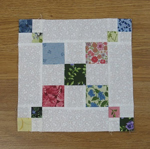Easy Single Chain and Knot Quilt Block - a Single Irish Chain Variation