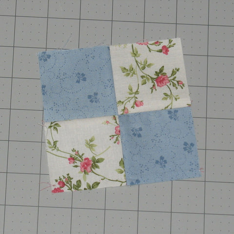 How to Sew a Basic Four-Patch Quilt Block – fabric-406