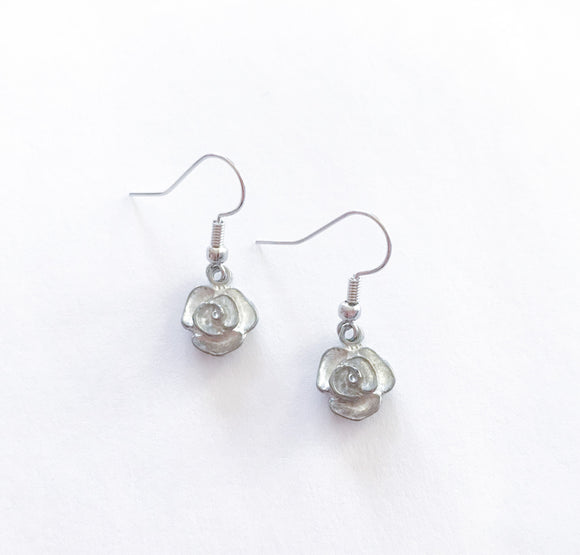 Vintage Silver Flower Earrings