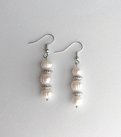 Anna Pearl Earrings