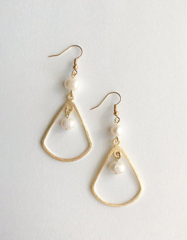 Madison Pearl Earrings
