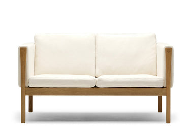 CH162 Sofa by Carl Hansen & Son - Urbanspace Interiors