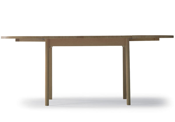 CH002 Dining Table by Carl Hansen & Son