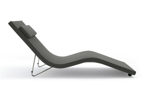 Slalom Chaise Lounge by Tacchini